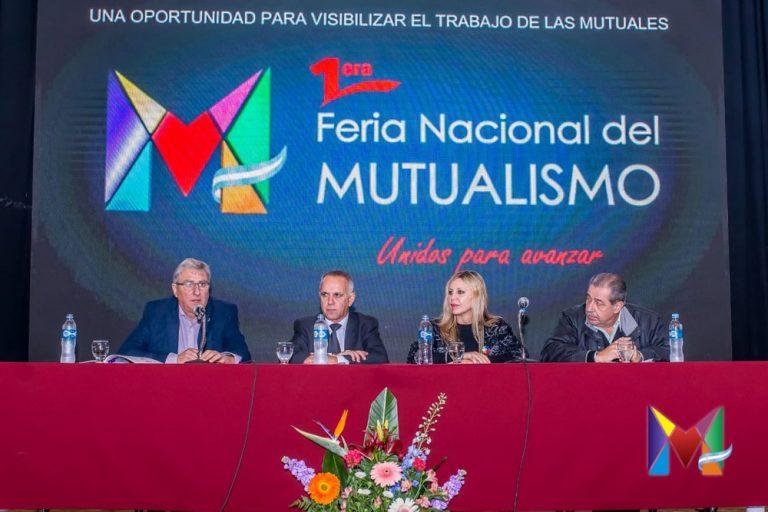 Panel Mutualismo - Economía y sociedad