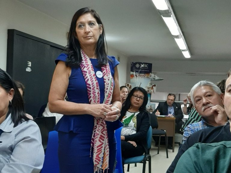 Sandra Rodíguez con asistentes