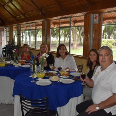 Cena con referentes