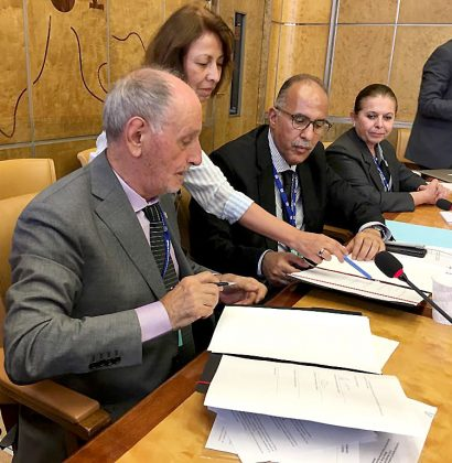 Firma Alfredo Sigliano el acta