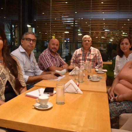 Cena con autoridades